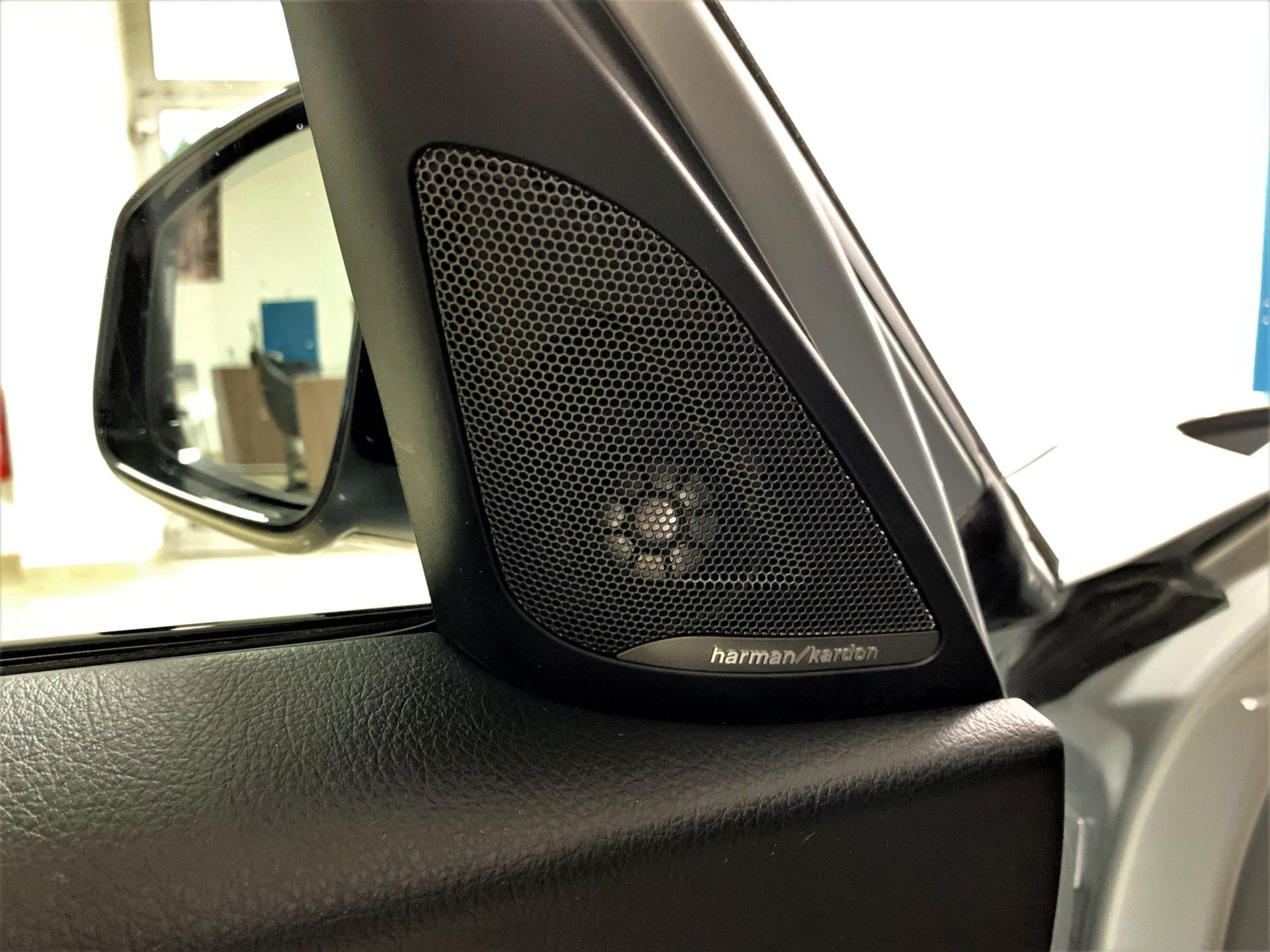 BMW Série 1 F20 LCI 118d 150 ch M Sport A berline, gris clair, 7 cv, 5 portes, couleur intérieure : noir, première mise en circulation le 21/12/2017 - GMC AUTO 67